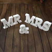 """""""Mr & Mrs"""" Classic White Wooden wedding Sign"""