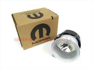 04-09 Jeep Dodge Chrysler DRIVING FOG LIGHT LAMP FRONT R/H OR L/H OEM NEW MOPAR