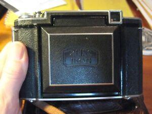 Pre-War 6x6 Zeiss Ikon Super Ikonta B 530/16 MF folding camera Tessar f/2.8