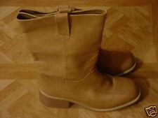 Momo Women's Tan Western Style Pull-On Boots Size 11 Medium