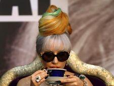 Lady Gaga UNSIGNED photo - P1562 - BEAUTIFUL!!!!!