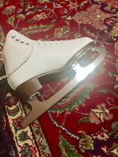 Figure ice skates with carry on bag included