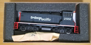 Athearn SW-1500  Speed Lettering Power Item # 3939 Southern  Pacific Locomotive