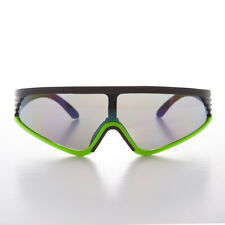 Sports Warp Vintage Sunglass with Mirror Lens and Green Accent - Rider