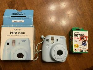 EUC Fuji Instax Mini 8 Instant Polaroid Camera Film Pictures Blue