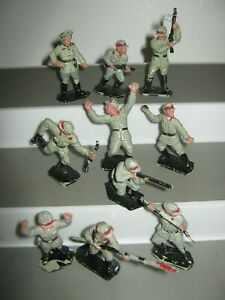 Lone star Africa corps German soldiers 10 in 10 poses V/G cond no damage set 2
