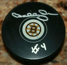 BOBBY ORR #4 BOSTON BRUINS SIGNED AUTHENTICATED AUTOGRAPHED HOCKEY PUCK COA