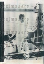 1969 California Housewife 1st Woman to Sail Solo Across Pacific Press Photo