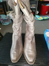 Ladies Size 6 Brown Cowboy Style Boots.
