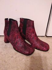 Women boots size 8