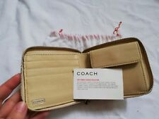 BNWT Coach Ladies Leather Zip Purse / Wallet cards coins banknotes compartments