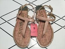 Sam & Libby Kamilla NEW Nude Patent Thong Sandals  Gold Accents size 9