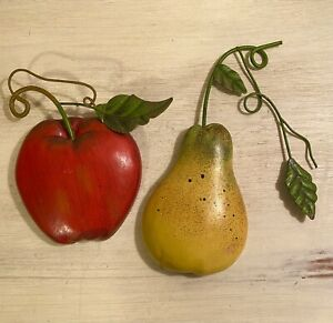 Vintage Set of 2 Resin and Metal Fruit Apple and Pear Wall Plaques Decor Hanging