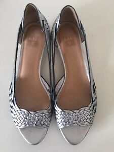 Frye Cameron Leather Wedge Sandals Silver Size 7.5 #49