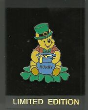 Disney pin St. Patrick's Day Pooh - 2001 DL - LE 2000