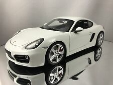 Minichamps 2013 Porsche Cayman S (981) White w/ Grey Interior Diecast Model 1/18