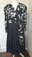 Silk Vintage The White House New Bond Street Leaf Print Dress Size 16 18