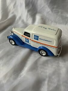 Liberty Classics 1936 Dodge Die Cast Mail Boxes Etc MBE Coin Bank Car Truck