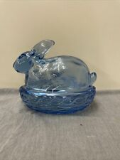 Vintage LE Smith Glass Blue Bunny Rabbit On Basket Weave Nest Easter Cover Dish
