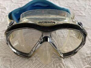 Automic Aquatic Mask Black with Plastic Case & Scuba.com Headpiece for Comfort