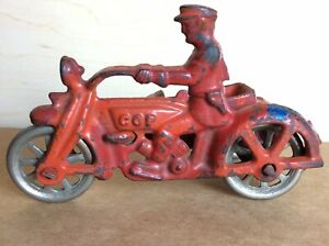 """Vintage 1930s Hubley Cast Iron Motorcycle Cop with Side Car Toy 4"""""""