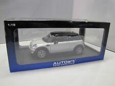 75001 AUTOart Mini Cooper 2006 - Pure Silver/black Roof - 1:18