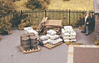 OO/HO accessories - Assorted Pallets, Sacks & Barrels - Ratio 514 - free post