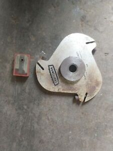 Craftsman Molding Head with a Set of Cutters