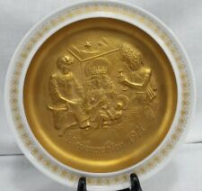 Hutschenreuther Christmas Plate 1974 The Holy Family Adoration White Gold Color
