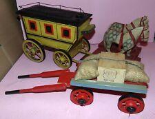 LOT  de 4 jouets anciens 2 CHEVAUX a tirer /1 DILIGENCE bois& 1 CHARRIOT EQUIPE