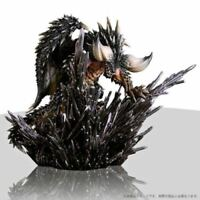 CAPCOM MONSTER HUNTER WORLD Collector's Edition Bonus Nergigante Figure