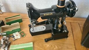 Vintage Singer Featherweight 222K Sewing Machine with accessories working