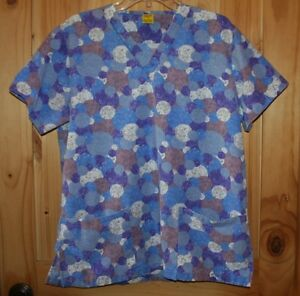 Fashion Seal   SCRUB TOP   size Small    all sizes of colored Circles    LOT6534