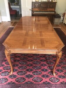 Lovely 8ft French Louis Style XV Oak Extendible Dining Table