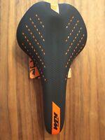 KTM Sattel Fahrradsattel Sattel Fahrradsitz Sitz schwarz Orange Modell 2018 Neu