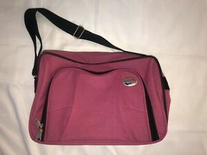 PINK AMERICAN TOURISTER CARRY ON/MEDIA/OVERNITE BAG WITH COMPARTMENTS