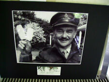KENNETH CONNOR CARRY ON LEGEND TOP QUALITY SIGNED AUTOGRAPH DISPLAY UACC *2