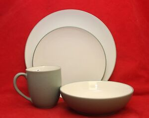 Noritake Colorwave GREEN 4 Piece Place Setting ~ NEW w/ Box Plate Bowl Mug