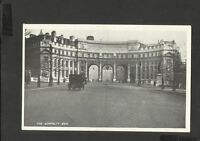 Vintage Black/White Postcard  Road View Cars The Admiralty Arch- London Unposted