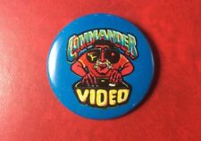 RARE VIDEO GAME PIN BUTTON BADGE COMMANDER VIDEO. VINTAGE METAL.