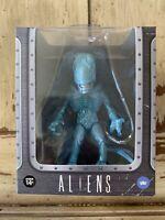 Aliens The Loyal Subjects Vinyls Xenomorph Ice Blue Metallic 1/12 Figure