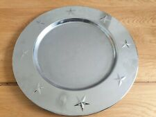 LOVELY SILVER METAL TEXTURED STAR TRIM ROUND DECORATIVE PLATE DISH TRAY - CANDLE