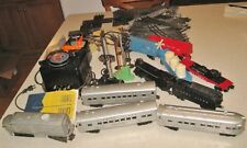 VINTAGE LIONEL MODEL TRAIN SET CARS TRACK SIGNALS FLASHERS ECT COLLECTION 1950'S