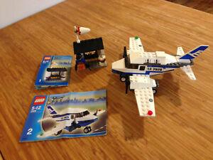 Lego City Town Set 2928 Airline Promotional Set (2006).