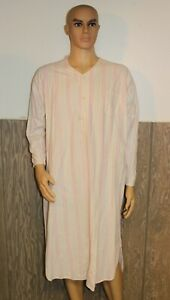 chest pocket. Long sleeves and bottoms Polyester and cotton,large buttons Vintage men\u2019s 2 pc striped pyjamas