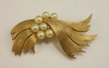 Vintage Signed Crown Trfari 7 Pearl Brooch Goldtone 2.5 inches