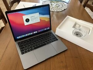 Apple MacBook Pro 13,3 Touch BAR