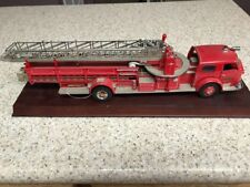 FRANKLIN MINT 1:32 AMERICAN LaFRANCE 1954 FIRE TRUCK MODEL DIECAST W/ BASE