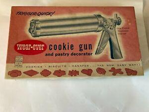 Vintage Wear Ever Cookie Gun & Pastry Decorator Spritz Cookies