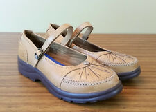 Dr Comfort Paradise Mary Janes 8.5 Wide Saddle Tan